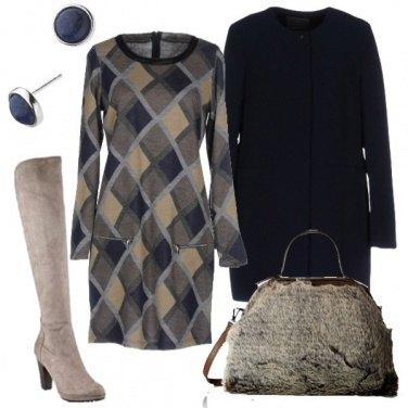 Outfit Abito in maglina e cappottino