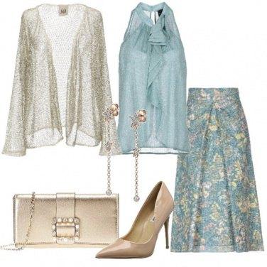 Outfit Acqua e oro