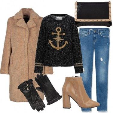 Outfit Cappotto e stivaletto cammello