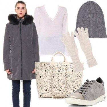 Outfit In grigio e panna