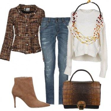 Outfit Chanel, classica ma non troppo
