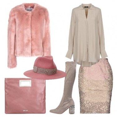 Outfit Pastelli e stivali con perle e cristalli