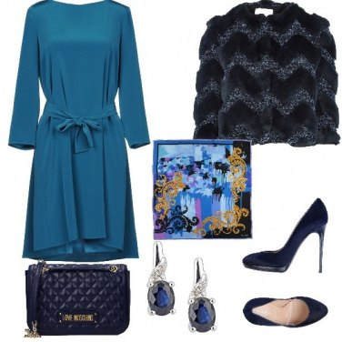 Outfit Vestitino azzurro e tacchi altissimi!
