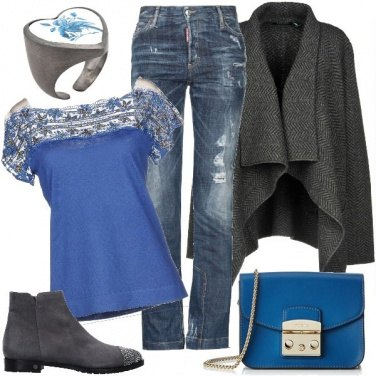 Outfit Vestita di grigio ed azzurro