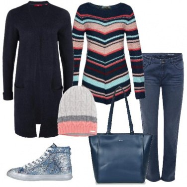 Outfit Pullover a righe e sneaker alta