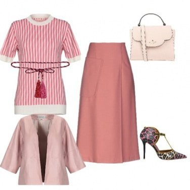 Outfit Bella in rosa con la gonna sartoriale