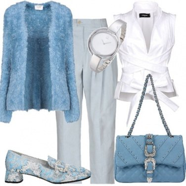 Outfit Azzurro cielo per l'ufficio
