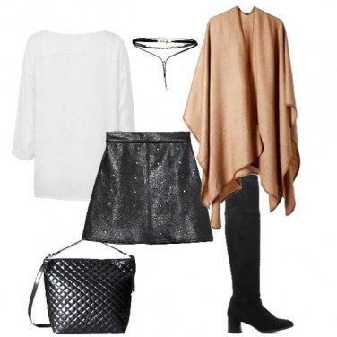 Outfit Minigonna e mantellina