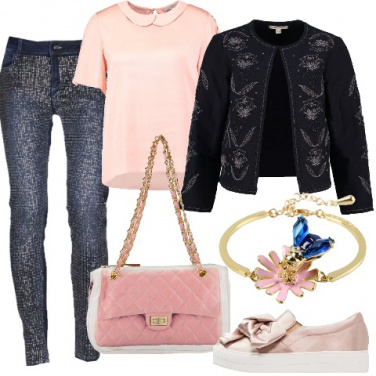 Outfit Un romantico denim e strass