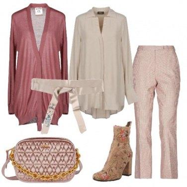 Outfit Dolci pastelli e dettagli floreali