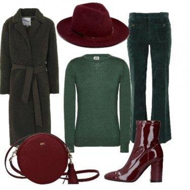 Outfit Verde e bordeaux