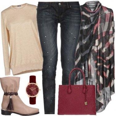 Outfit Jeans con strass e mantella