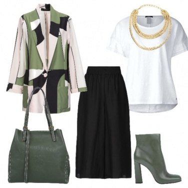 Outfit Verde militare casual chic