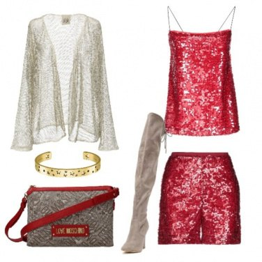 Outfit Shorts e top in paillettes