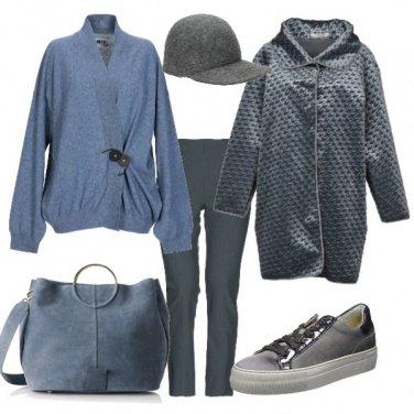 Outfit Blu polvere e grigio