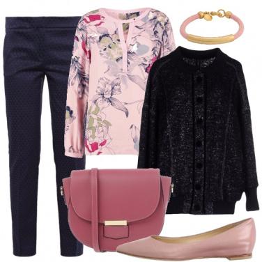 Outfit Romantica in pantaloni