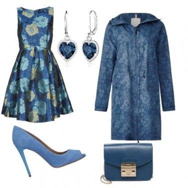Outfit Monocromatico: azzurro cielo