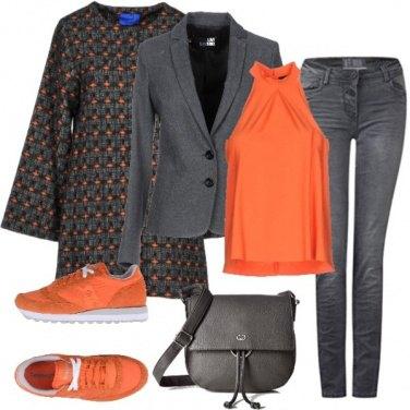 Outfit Grigio con energia