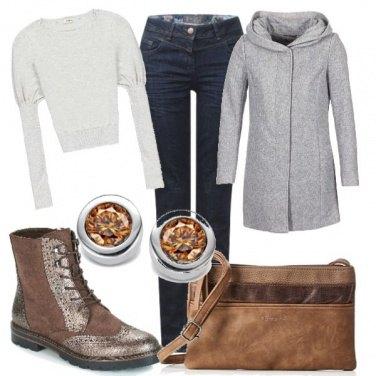 Outfit Grigio e marrone