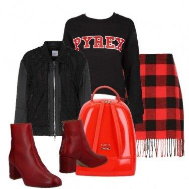 Outfit I quadri e le frange