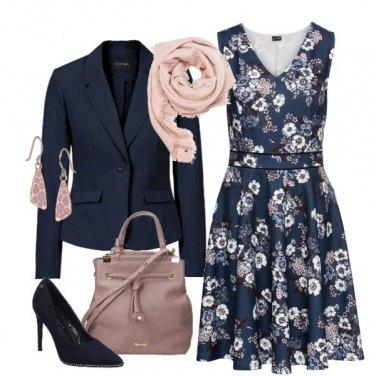 Outfit Delicati fiori sul vestito
