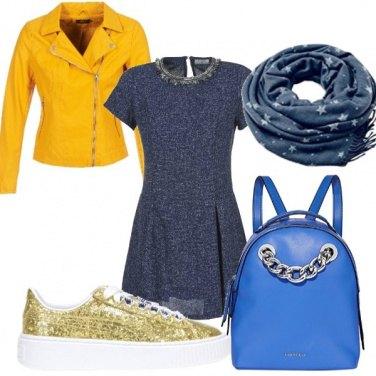 Outfit Giallo e blu per la scuola