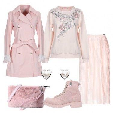 Outfit Romantica in rosa con l\'anfibio