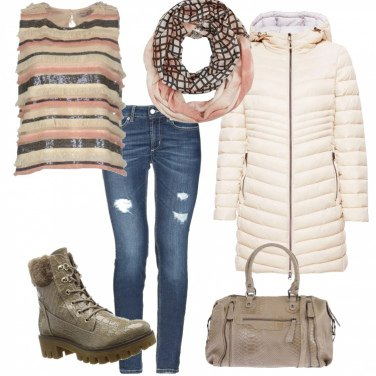 Outfit Anfibi e lustrini in saldo