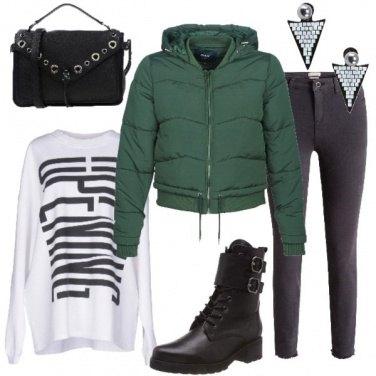Outfit Anfibi neri di giorno