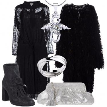 Outfit Con un\'acconciatura raccolta spettinata
