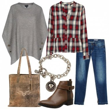 Outfit Jeans e cardigan poncho