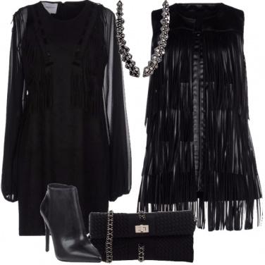 Outfit Nero e frange