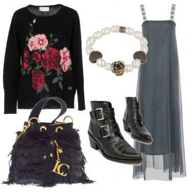Outfit Maglione a fiori e abito in tulle