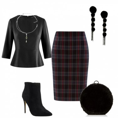 Outfit Gonna tartan a basso costo