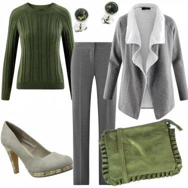 Outfit Saldi in grigio e verde