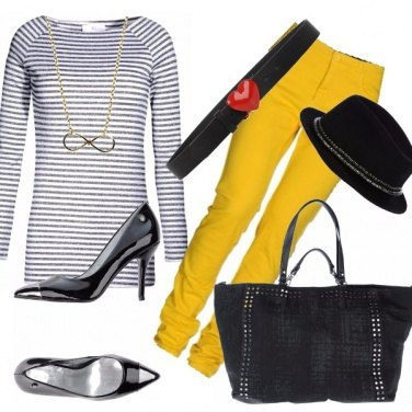 Outfit Yellow submarine