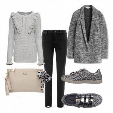 Outfit Dettagli grigi e maculati