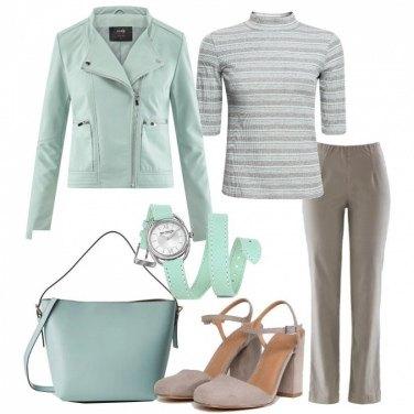 Outfit Verde acqua e grigio
