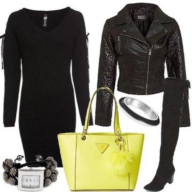Outfit Un tocco di giallo fluo