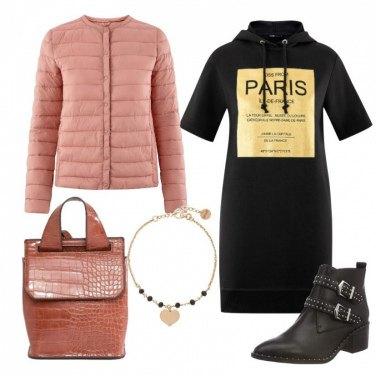 Outfit Vestito in felpa e zainetto