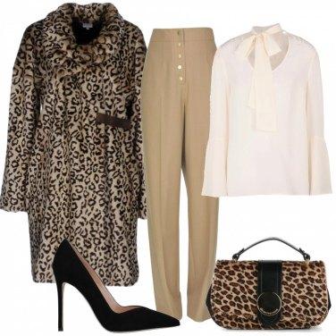 Outfit Borsa e cappotto leopardati