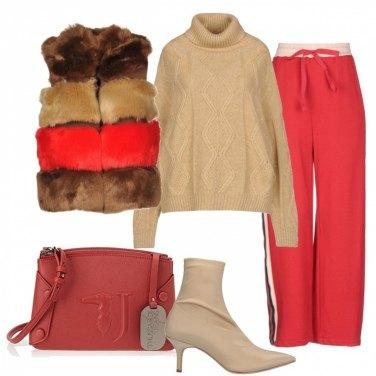 Outfit Lo smanicato fauxfur e i pants sporty