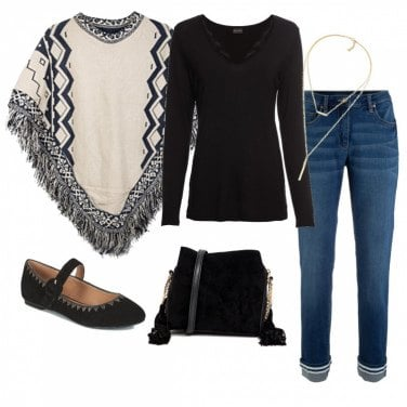 Outfit La mantella beige e nera