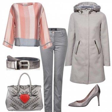 Outfit Argento e arancio
