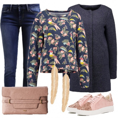 Outfit Trendy in felpa e jeans