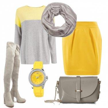 Outfit Grigio e giallo limone