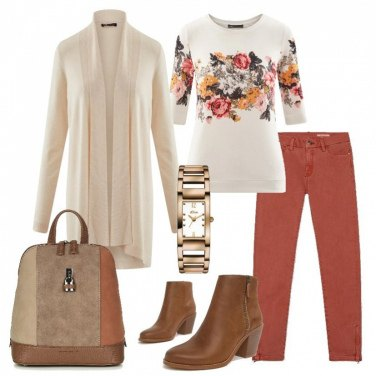 Outfit Stampa floreale e zainetto