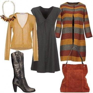 Outfit Cappotto a righe e stivale stile texano