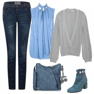 Outfit Celesti e grigio