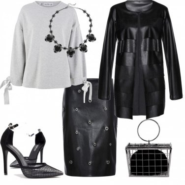 Outfit Glam in felpa ed ecopelle